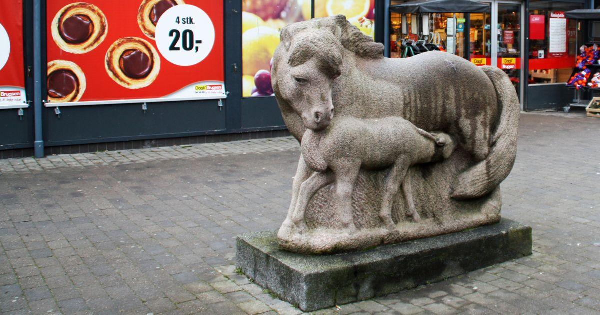 Hesten Valby kunst deling