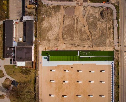 Kunstgræsbanen anlægges Foto Jens Panduro